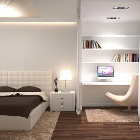 Рабочее место в спальне-гостиной