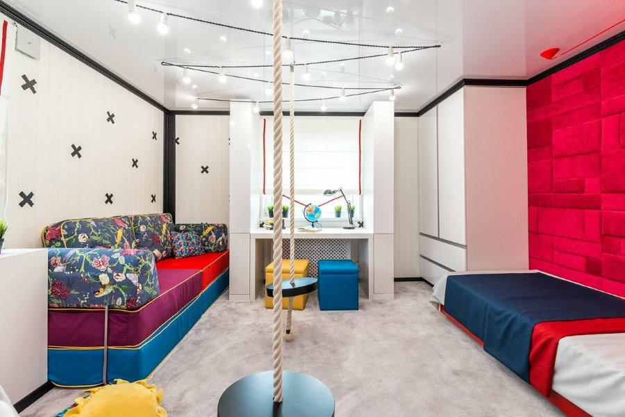 Комната в стиле хай-тек для студентов института