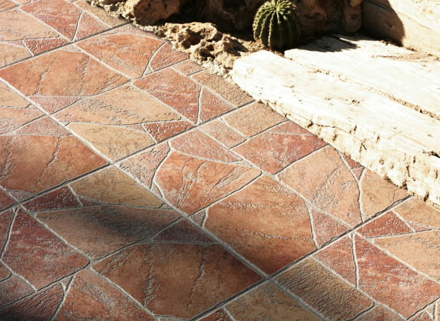 Тротуарная плитка из керамогранита под камень