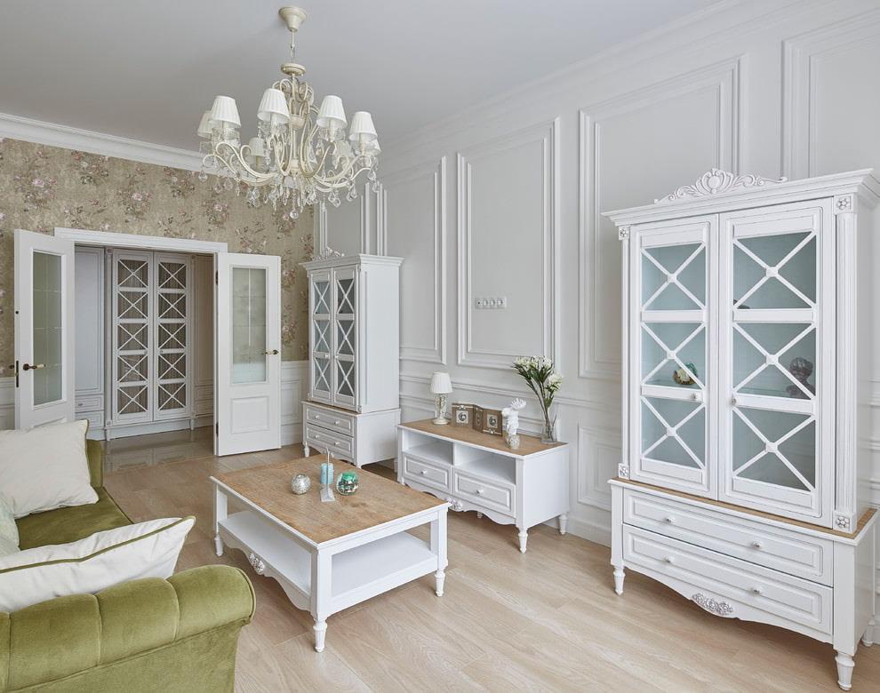 Декорирование стен в гостиной классического стиля