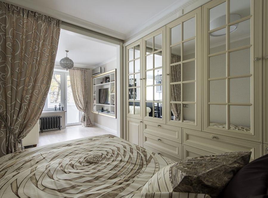 Встроенные шкафы в спальной зоне гостевой комнаты