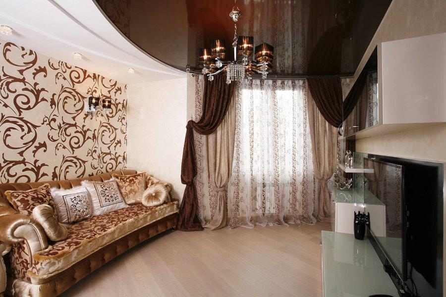 Подбор штор под натяжной потолок в гостиной