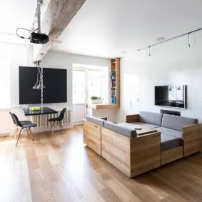 комната с диваном декор