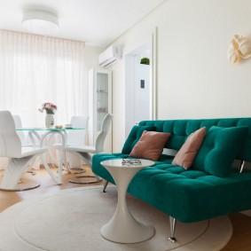 комната с диваном фото оформление