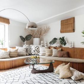 комната с диваном фото вариантов