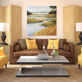 коричневый диван в гостиной фото декор