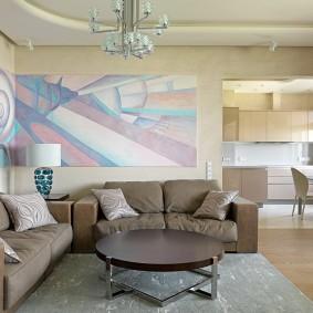 коричневый диван в гостиной фото интерьер