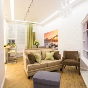 коричневый диван в гостиной виды фото