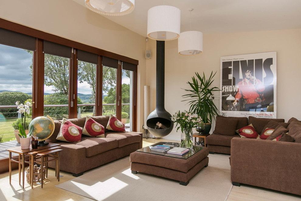 коричневый диван в гостиной идеи дизайна