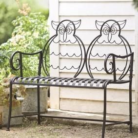 кованые скамейки для сада идеи