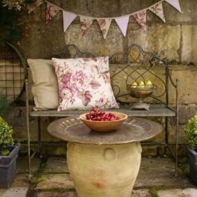 кованые скамейки для сада оформление идеи