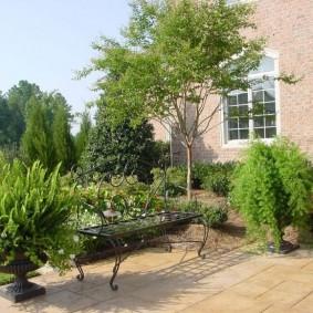 кованые скамейки для сада варианты фото