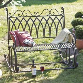 кованые скамейки для сада виды
