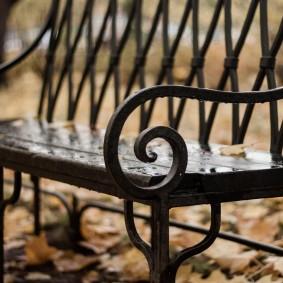 кованые скамейки для сада виды оформления