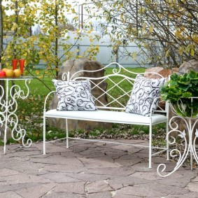 кованые скамейки для сада варианты дизайна