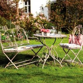 кованые скамейки для сада фото дизайн