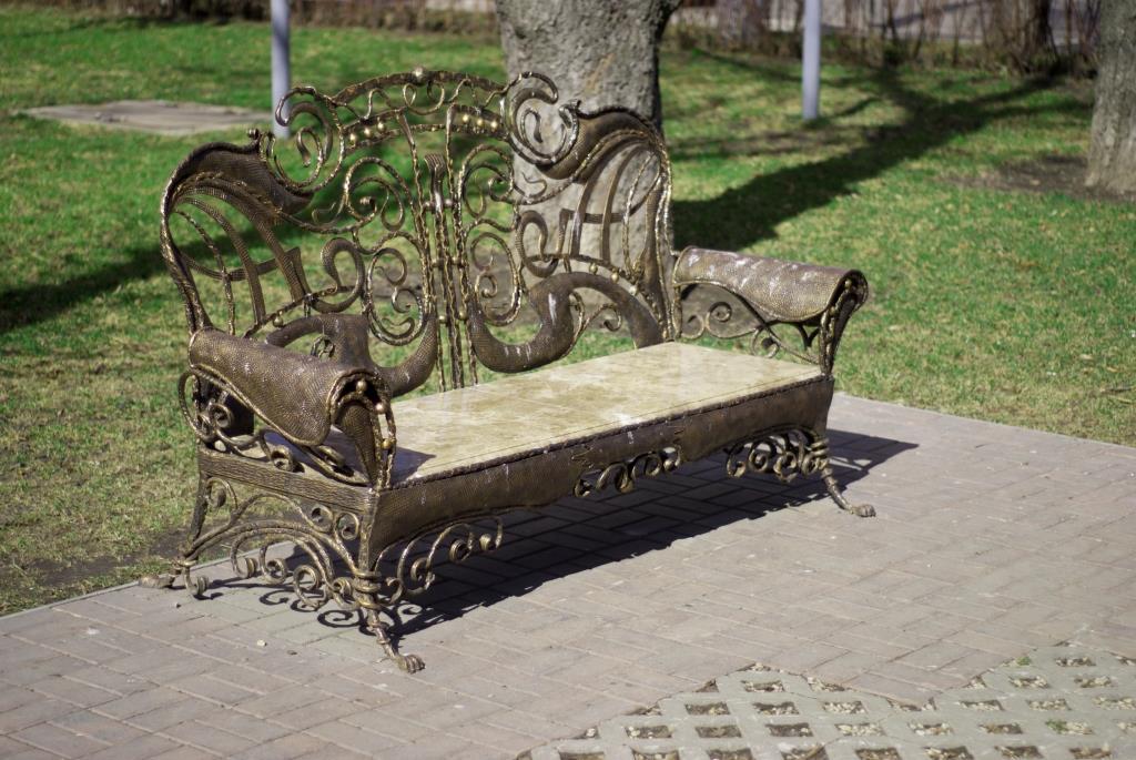 кованые скамейки готика