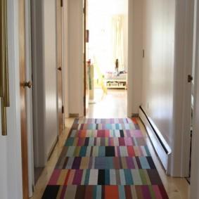ковровые дорожки в прихожую интерьер