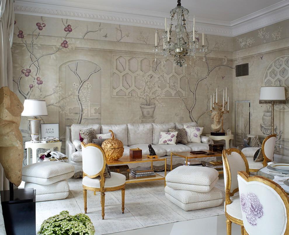 Отделка красивыми обоями стен в гостиной комнате