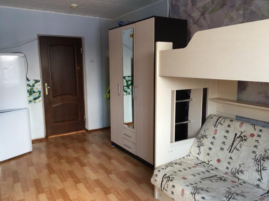 Кровать-чердак в семейном общежитии