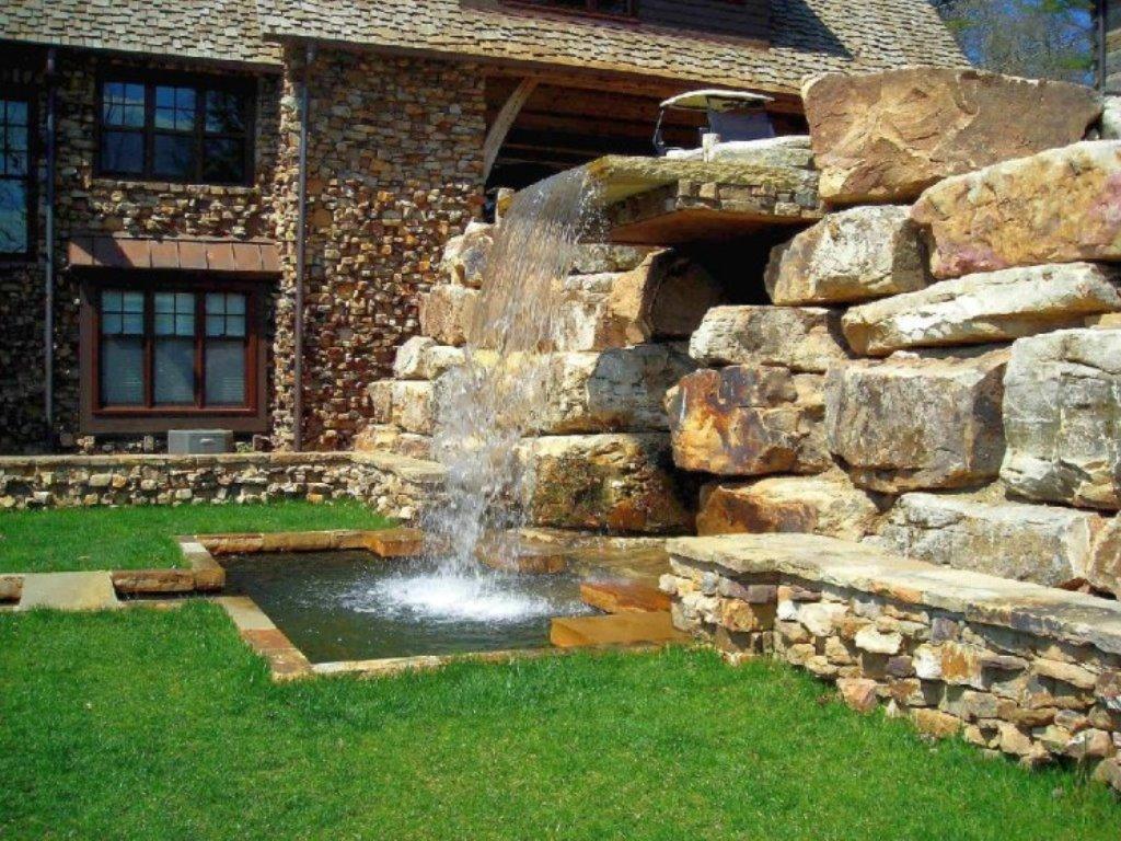 ландшафтный дизайн участка с водопадом