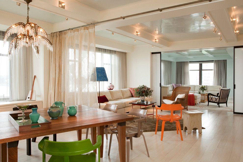 Зонирование шторами столовой-гостиной в частном доме