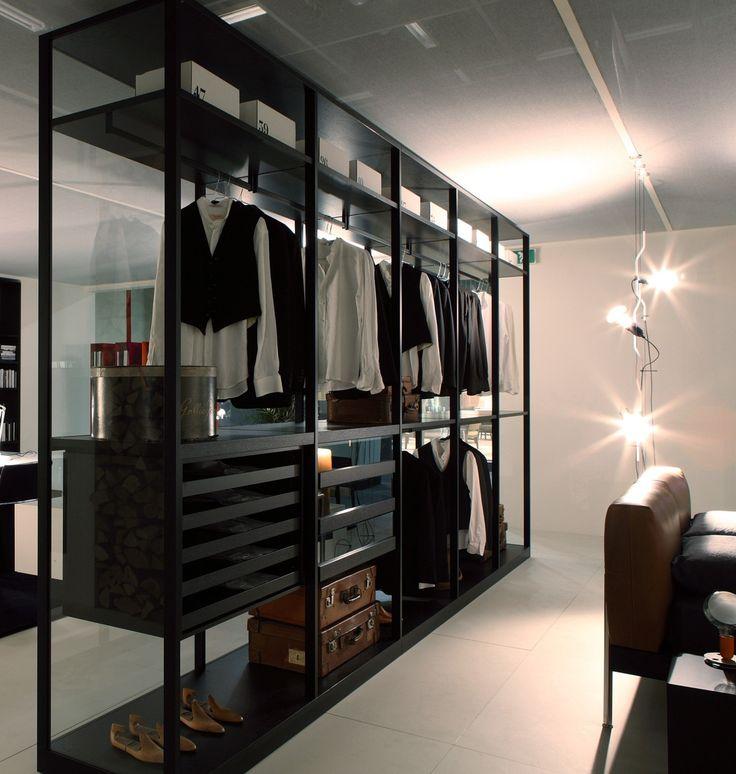 Линейный гардероб в однокомнатной квартире