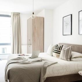 люстра под натяжной потолок в спальне фото декора