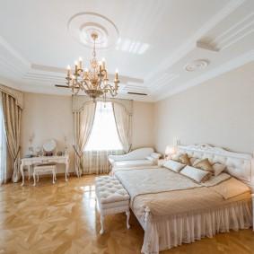 люстра под натяжной потолок в спальне фото