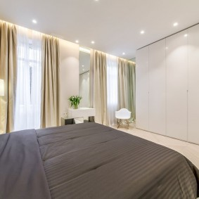 люстра под натяжной потолок в спальне фото вариантов