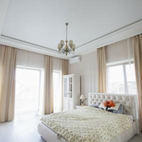 люстра под натяжной потолок в спальне варианты идеи