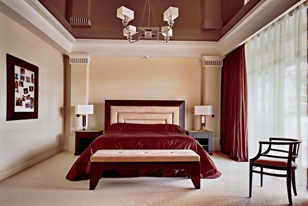 люстры для натяжных потолков в спальне дизайн идеи