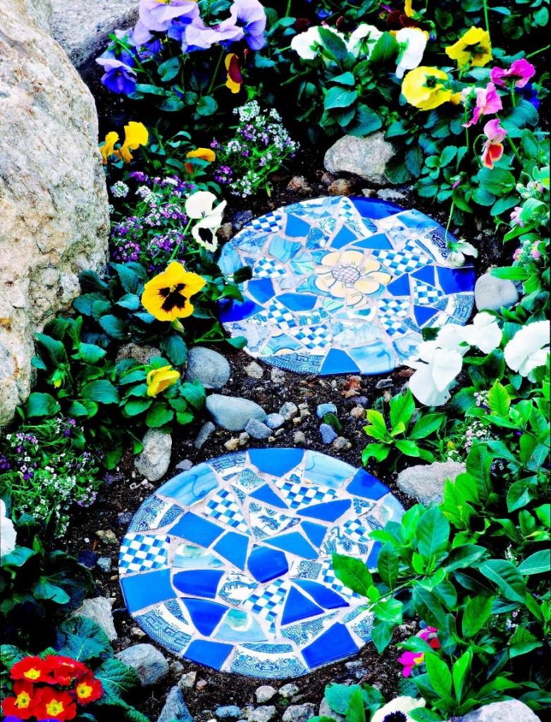 Декор осколками кафеля круглой бетонной плитки