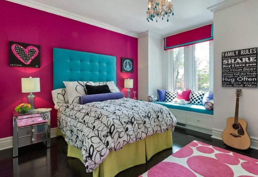 Выбор обоев для молодежной комнаты в стиле хиппи