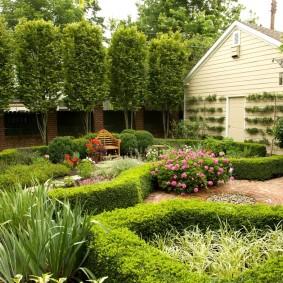 обустройство маленького сада декор фото