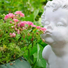 обустройство маленького сада виды декора