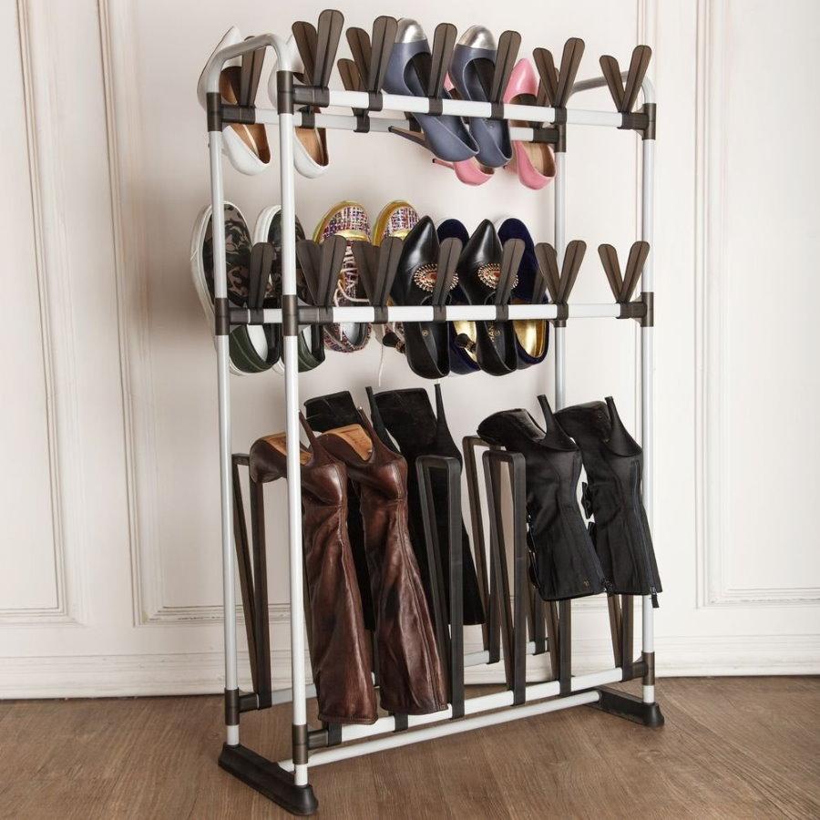 Пластиковая стойка для хранения обуви в прихожей