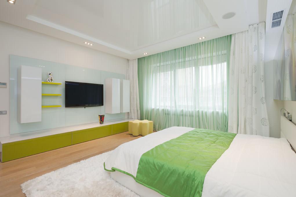 освещение в спальне с натяжным потолком идеи