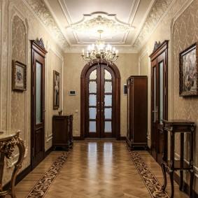 отделка стен прихожей в частном доме