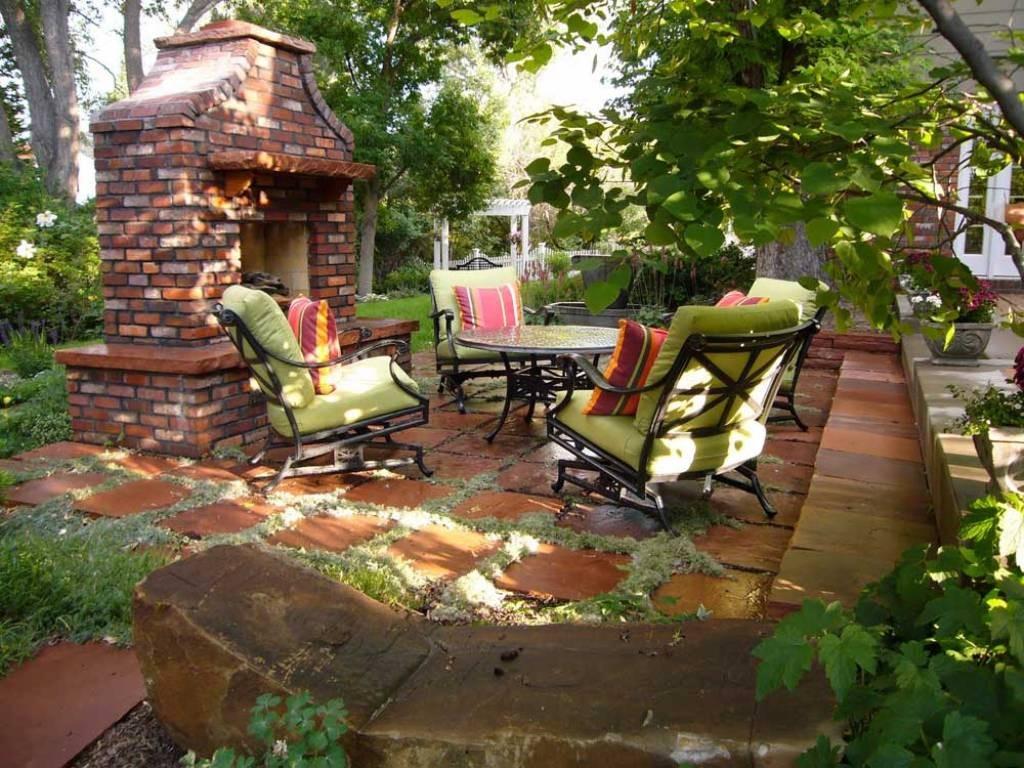 Уютное местечко для отдыха летом на даче