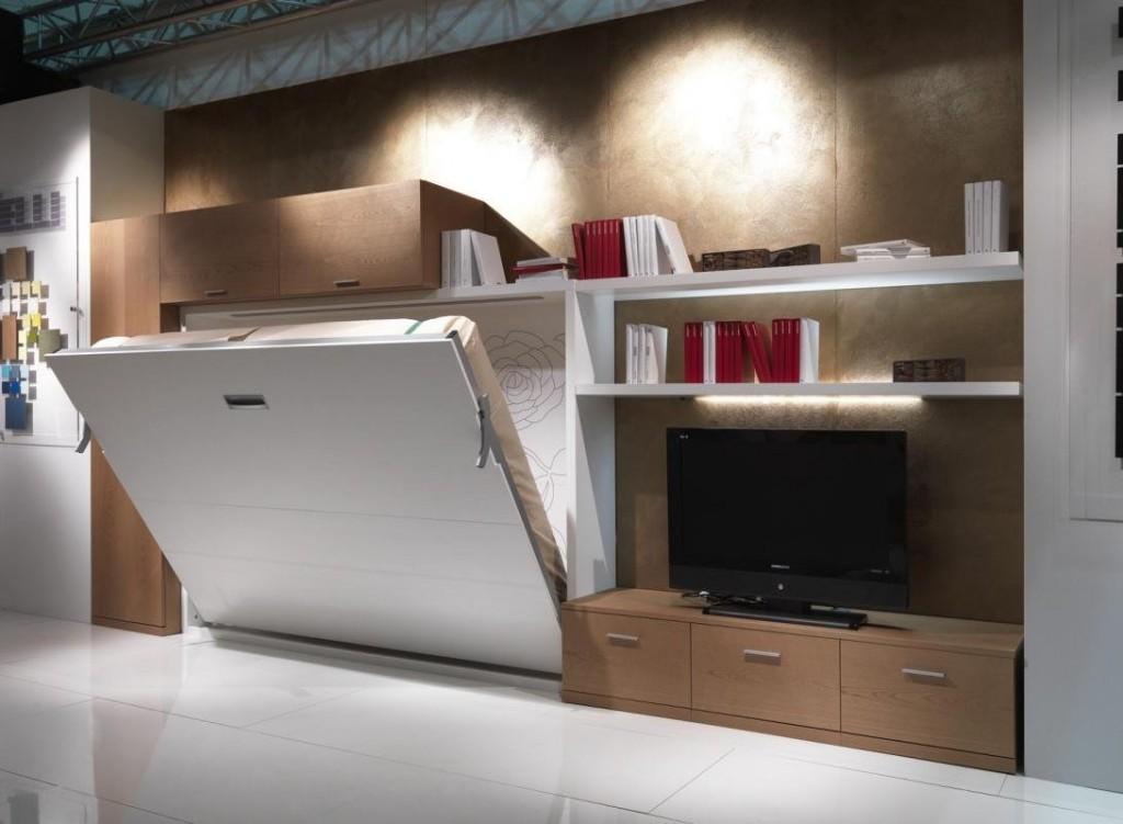 Откидная кровать в спальне-гостиной