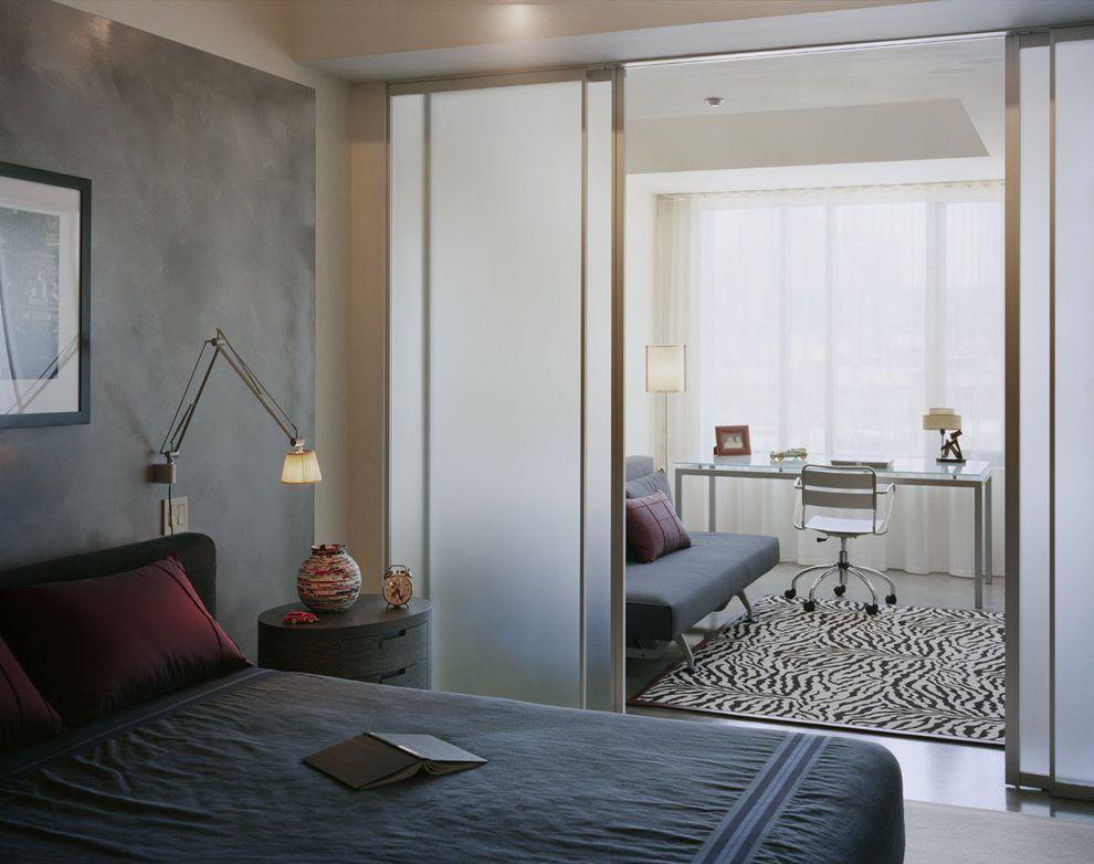 Зонирование стеклянной перегородкой однокомнатной квартиры
