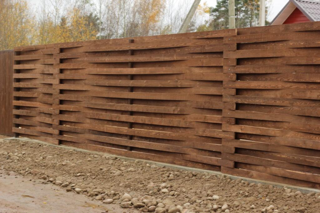 Забор-плетенка из соснового штакетника