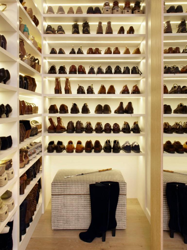 Освещение в комнате для сезонного хранения обуви