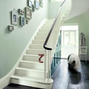 прихожая с лестницей в частном доме идеи дизайн