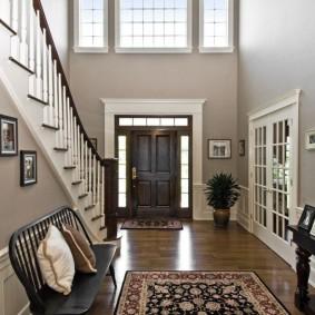 прихожая с лестницей в частном доме идеи дизайна