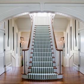 прихожая с лестницей в частном доме фото