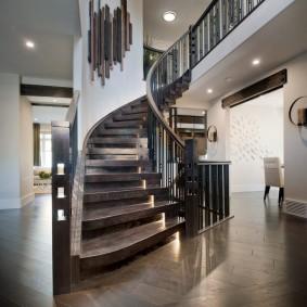 прихожая с лестницей в частном доме фото интерьер