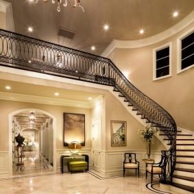 прихожая с лестницей в частном доме фото интерьера