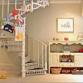 прихожая с лестницей в частном доме идеи интерьер
